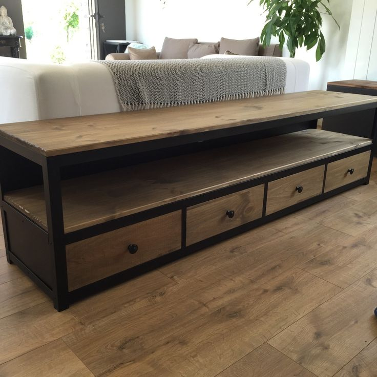 meuble e tv royal sofa id e de canap et meuble maison. Black Bedroom Furniture Sets. Home Design Ideas