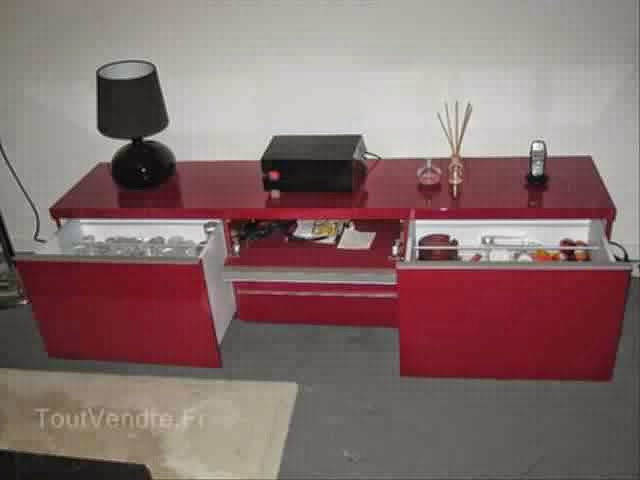 Meuble tv ikea rouge royal sofa id e de canap et for Idee deco trackid sp 006