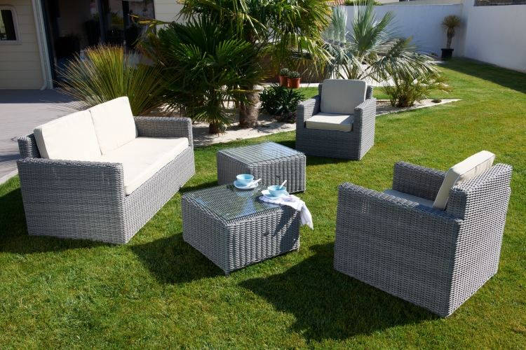 Table salon de jardin pas cher royal sofa id e de for Table jardin resine pas cher