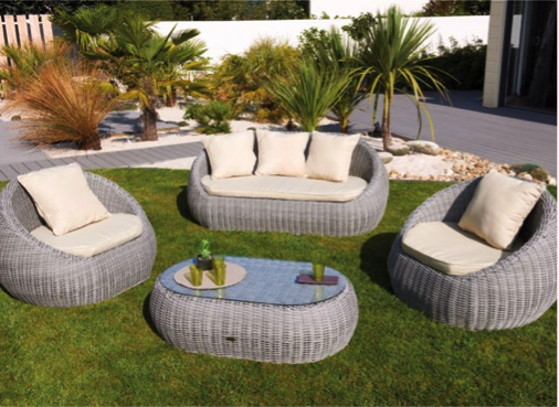 Salon jardin exterieur royal sofa id e de canap et for Salon resine tressee solde